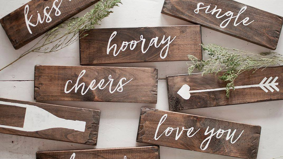 Photo booth signs and box