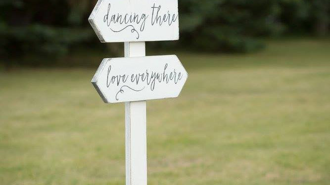 Vows Here Sign- White collection