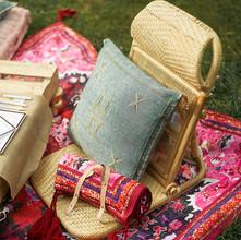 PIC-NIC Luxury Popup picnic Rattan Chairs Moroccan Pillow picdashnic.jpg