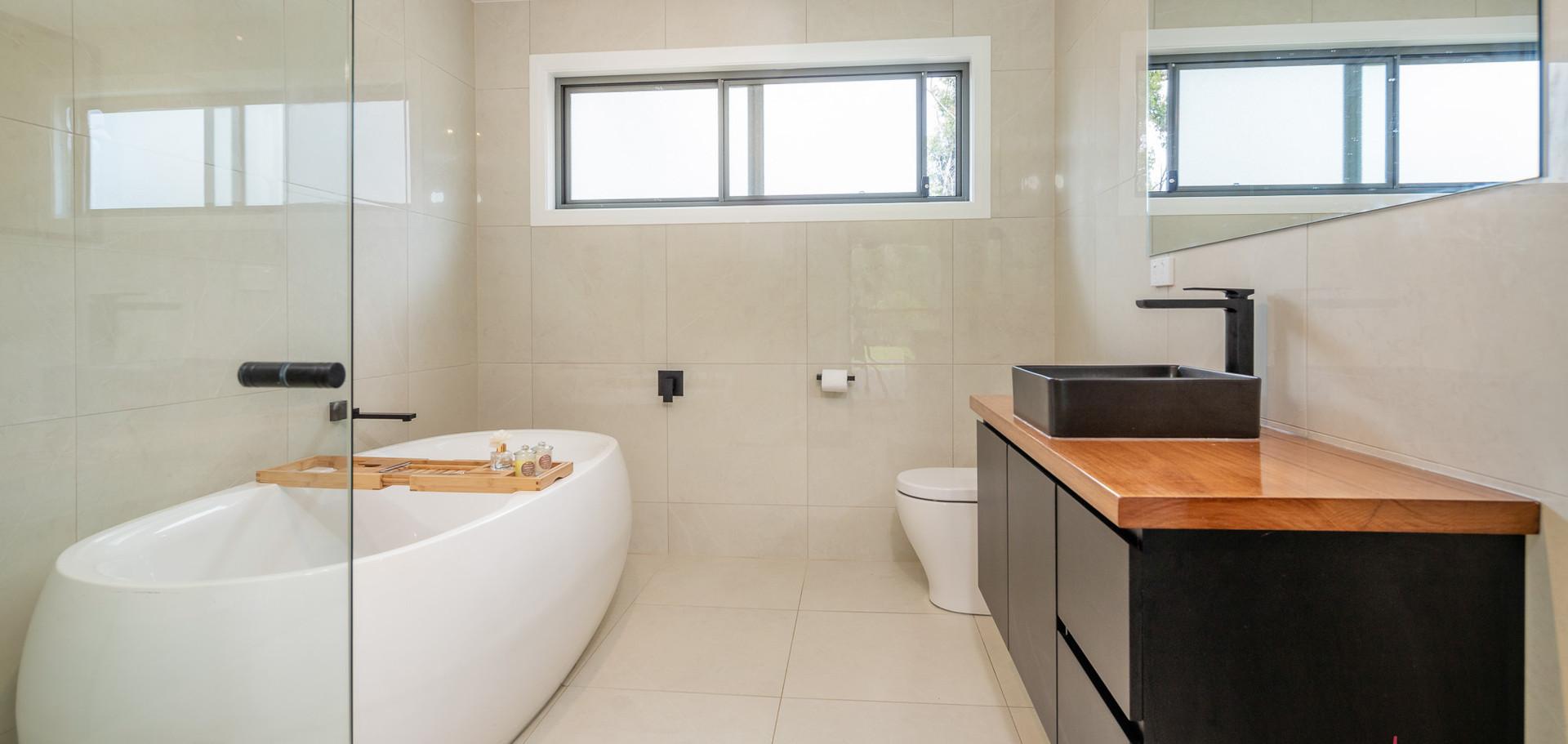 3 Bimbimbie Web Bath1.jpg