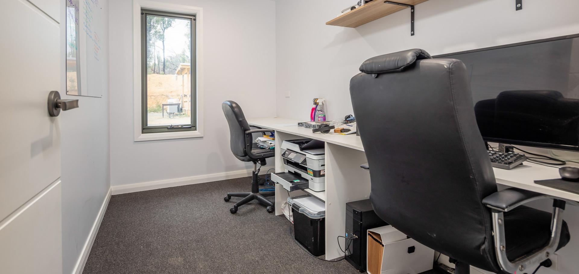 3 Bimbimbie Web Office.jpg