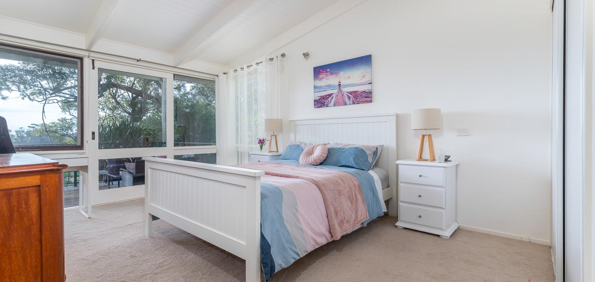 20 Beechwood Web Bed1.jpg