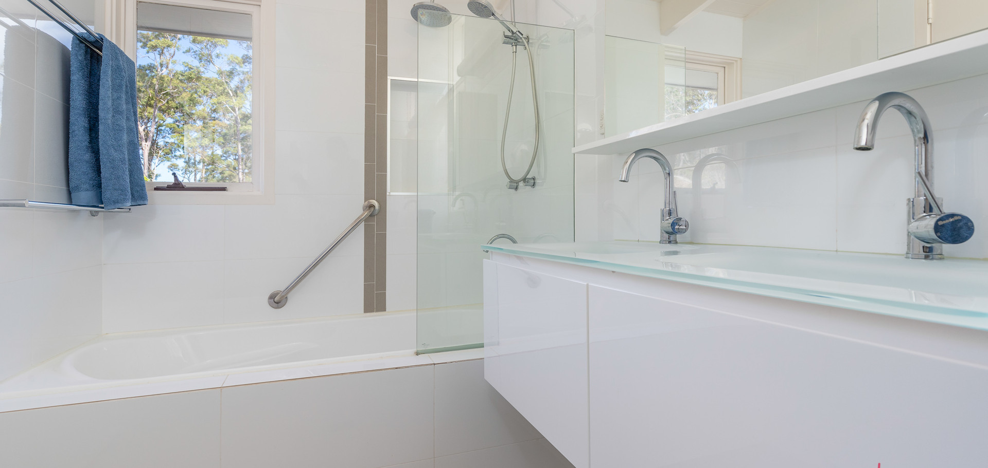 20 Beechwood Web Bath1.jpg