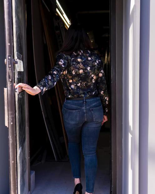 Jen Opening Door.mp4