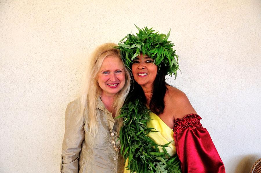 Peggy Phoenix Dubro & Kahuna Kalei