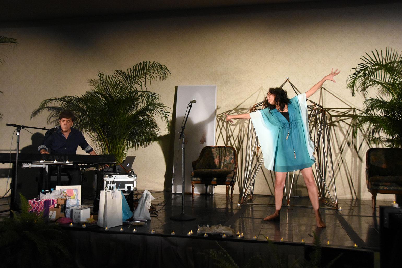 Robert Coxon & Lilly Wong