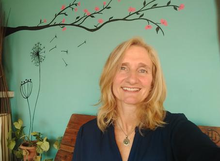 """Laura Glave: """"Para ser actores de cambio hay que involucrarse y trabajar desde adentro"""""""