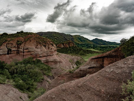 Cuevas de Ongamira y Cerro Colchiqui