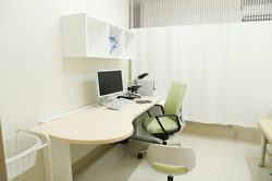 ゆったりとした診察室でリラックスして診察を受けていただけます