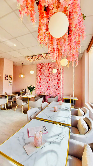 salon de thé café mur de fleur onlges annecy