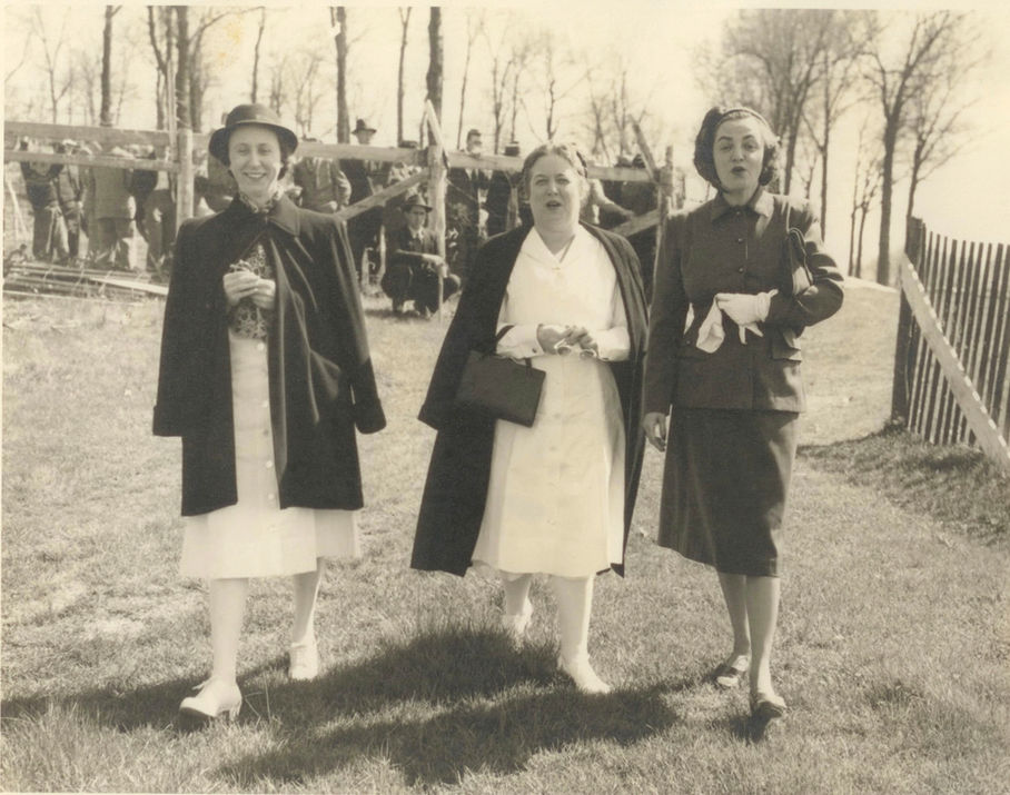 Nurses At Races