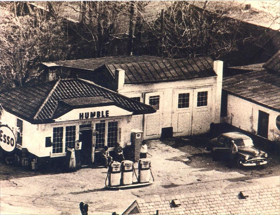 Histori Esso Station