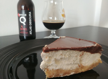 Cheesecake al cioccolato e Atlas Obscura Imperial Stout Evoqe Brewing