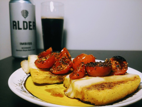 Polenta grigliata con formaggio e Alder Imbiss