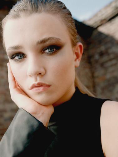 Model: Alice Puschkarow Foto: Yannik Wansel