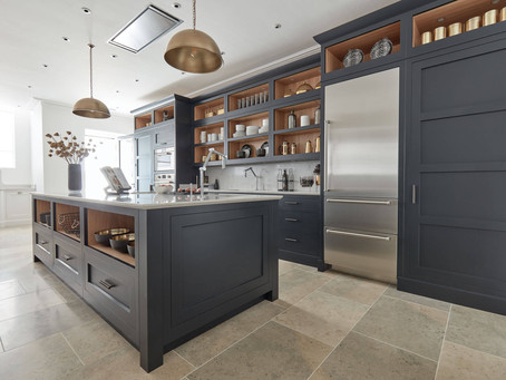WHY SHOULD I BUY A DARK COLOURED KITCHEN?