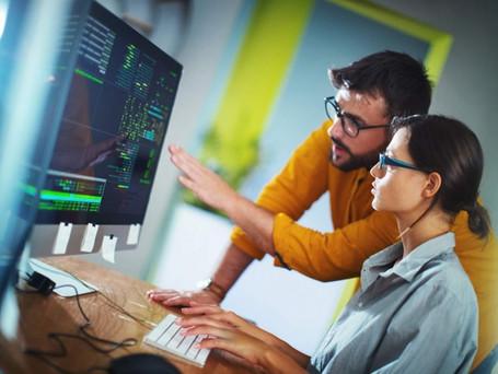 Conozca los beneficios de tener un software personalizado