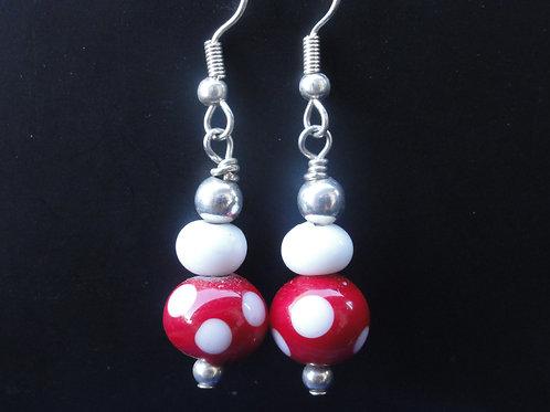 Ohrenringe mit 2 Perlen 600