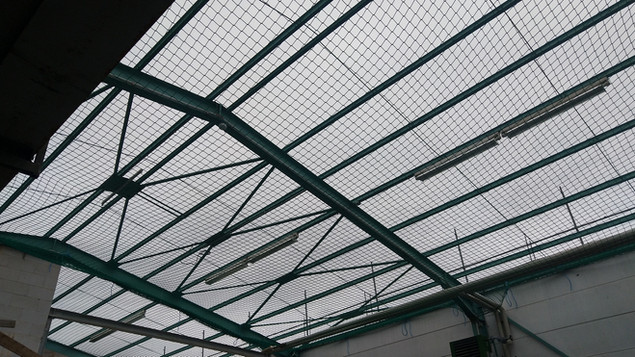 Sicherheitsnetz für Dacharbeiter