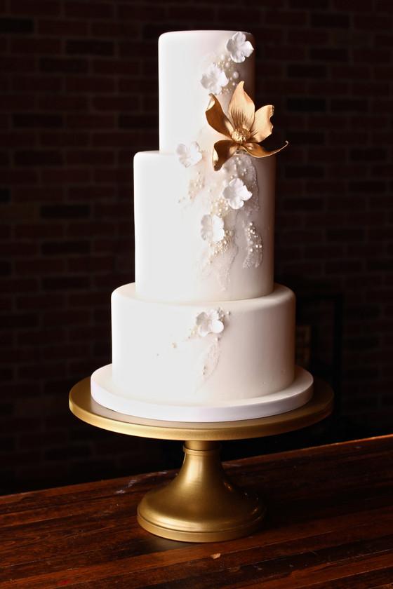 White Wonder Cake