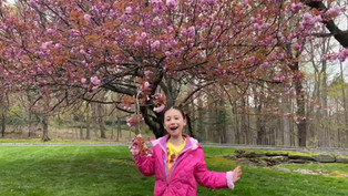 Rachel from New York says hi to her Blossom Family!