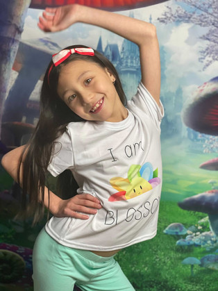 Rachel rocks her Blossom t-shirt!