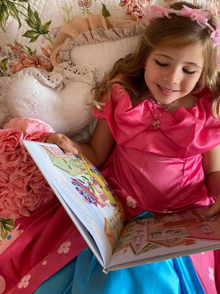 Heidi reads The Blossom Shoppe in her Posie Blossom costume!