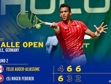 Félix Auger -Aliassime se paie Roger Federer
