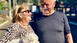 Engenheiros e Fonoaudióloga criam máscara inclusiva que permite leitura labial