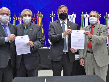 Renovação do convênio com ABNT marca abertura do Colégio de Presidentes