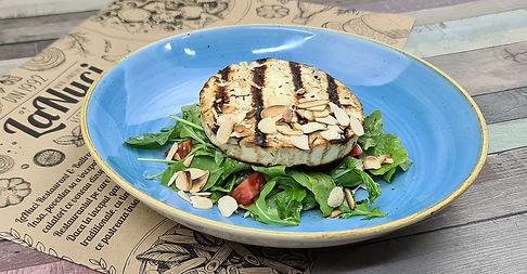 Salata cu Branza la Gratar.jpg