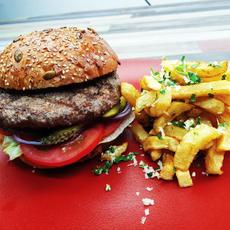 American Burger   32.00 Ron