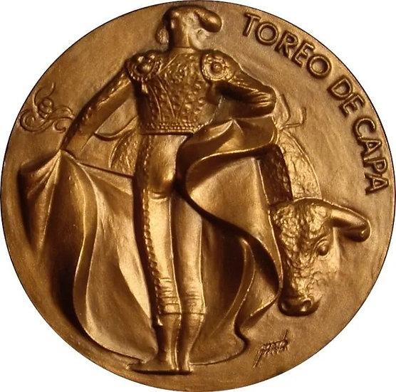ESPAÑA. MEDALLA F.N.M.T. TAUROMAQUIA -TOREO DE CAPA-. 1.963