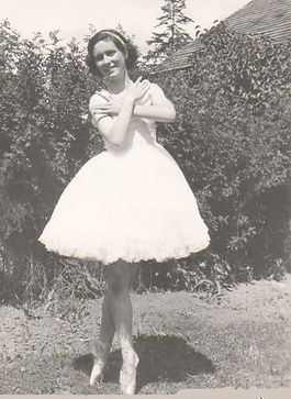 Ballerina 001.jpg