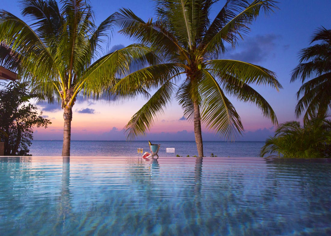 Oasis pool and spa cayman