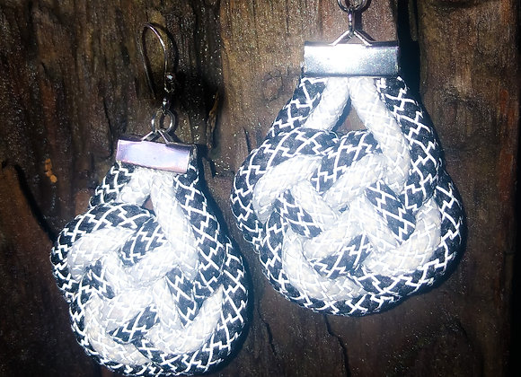 knot earrings, black and white