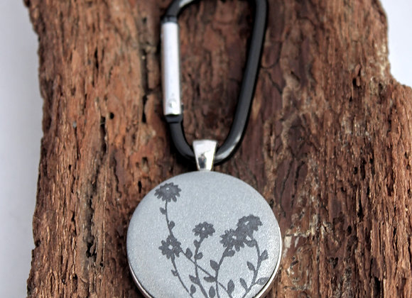daisies, keychain