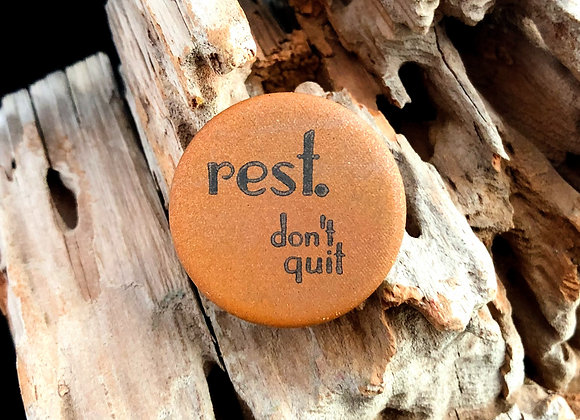 rest, jewel tone