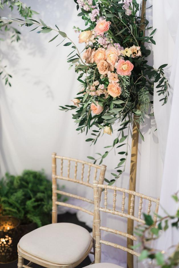 Arche fleurie  – Fleuriste de mariage à Genève | Évènements | Décoration florale | Lilas et Rose | Fleurs de mariage | Fine art floral studio | Atelier floral suisse | Swiss wedding florist | Geneva floral design & events