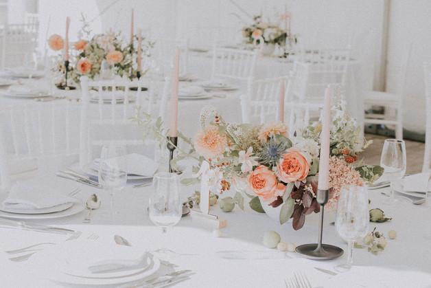 Décoration de table  –  Fleuriste de mariage à Genève | Évènements | Décoration florale | Lilas et Rose | Fleurs de mariage | Fine art floral studio Lilas & Rose | Atelier floral suisse | Swiss wedding florist | Geneva floral design & events
