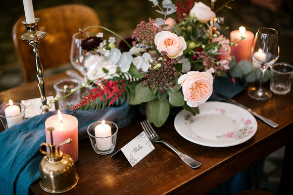 Décoration de table  – Fleuriste de mariage à Genève | Évènements | Décoration florale | Lilas et Rose | Fleurs de mariage | Fine art floral studio | Atelier floral suisse | Swiss wedding florist | Geneva floral design & events