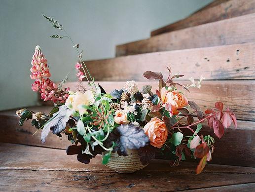 Fleuriste de mariage à Genève | Évènements | Décoration florale | Lilas et Rose | Fleurs de mariage | Fine art floral studio | Atelier floral suisse | Swiss wedding florist | Geneva floral design & events | Contact us