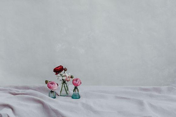 Fleuriste de mariage à Genève | Évènements | Décoration florale | Lilas et Rose | Fleurs de mariage | Fine art floral studio | Atelier floral suisse | Swiss wedding florist | Geneva floral design & events | Les petites vases
