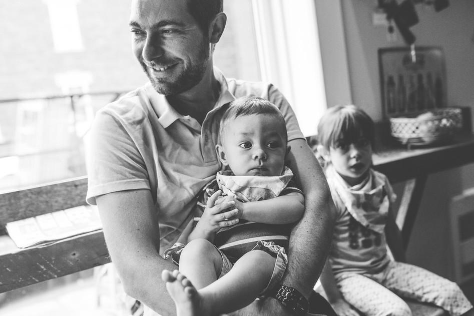 Famille : Au café du coin