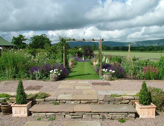 Enisage garden design pergol herbceous border malvern hills