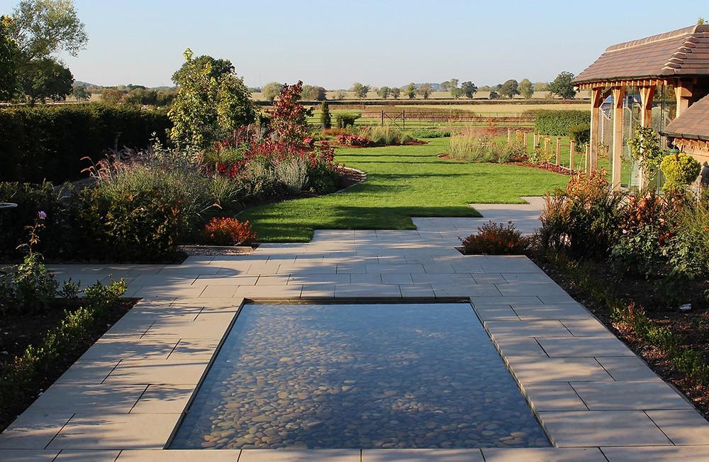 country garden setting Envisage Gardens
