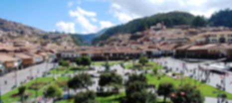 Perou-Cusco-ville-place-Ion Eminescu_0.j