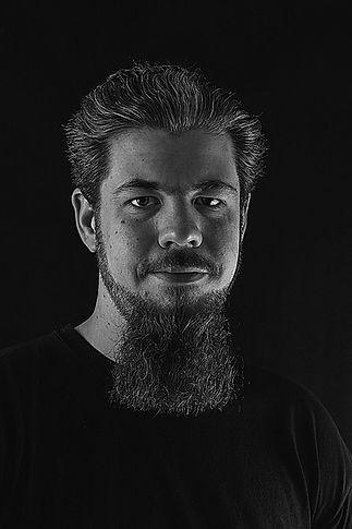 portrait Michael von Stoschlq.jpg