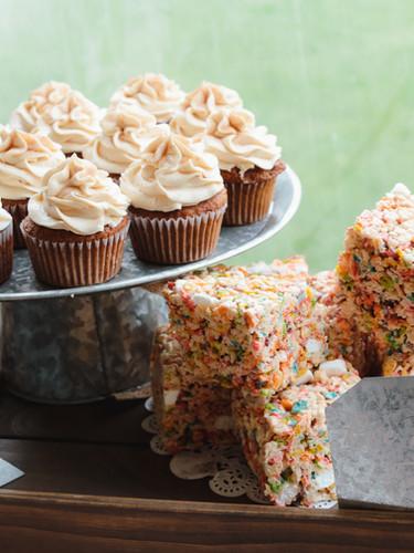 Custom Wedding Cupcakes & Krispies