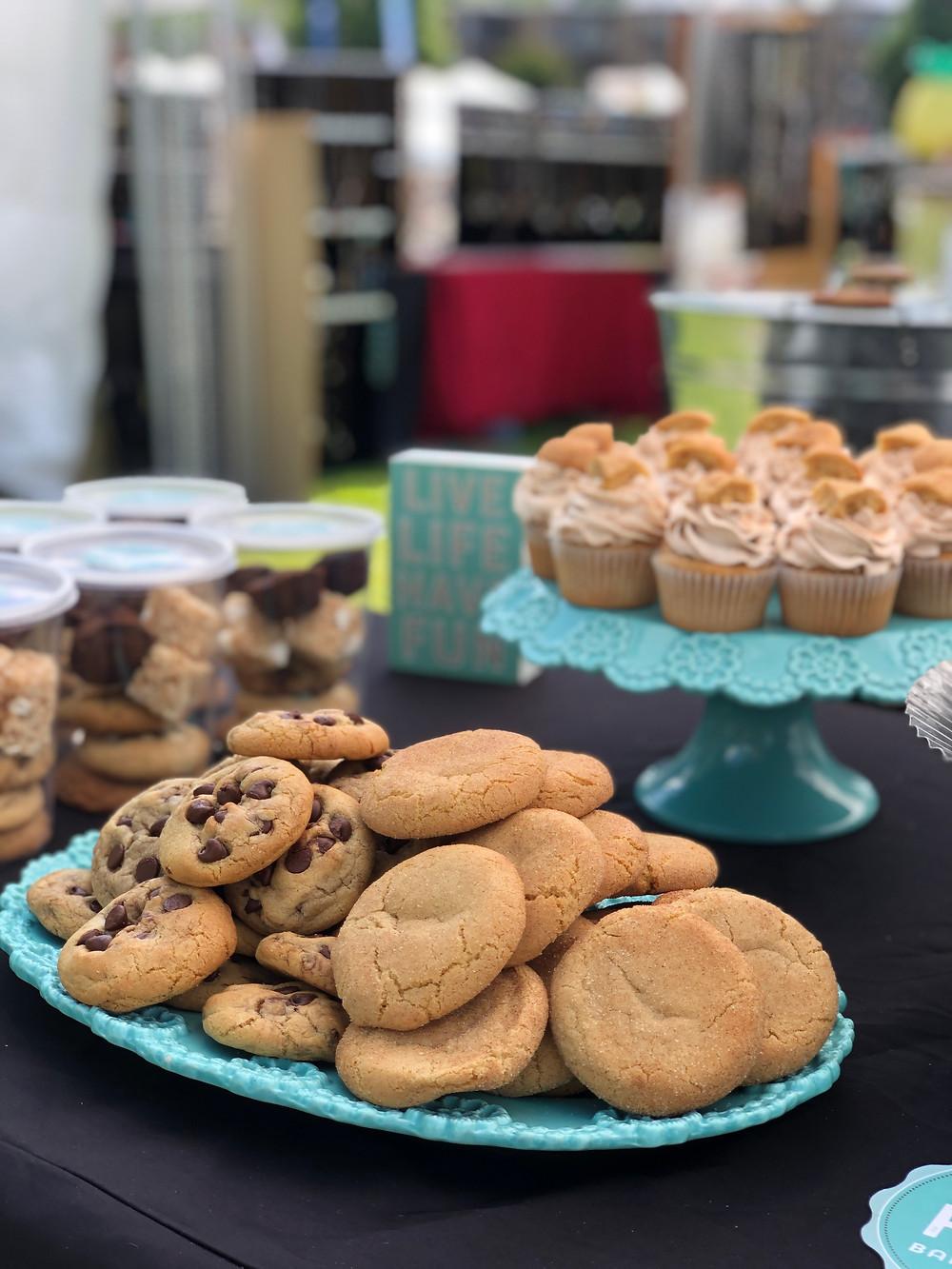 cookies, cupcakes, baked goods, bakery, kirkland uncorked, bellevue, hollywood baked goods, HBG